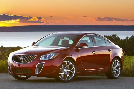 2012 Buick Regal: Buick Builds a European Sedan featured image large thumb1