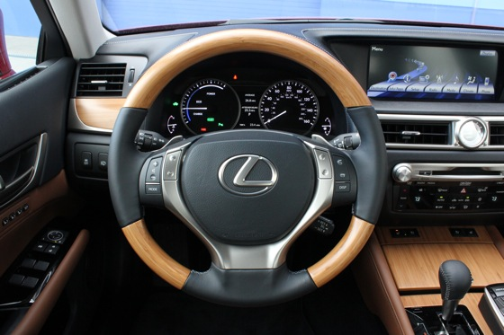 2013 Lexus GS: New Car Review featured image large thumb16