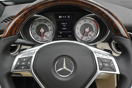 2011 Mercedes-Benz SLK300: Overview featured image large thumb7