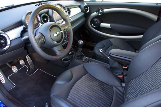 2012 Mini Coupe JCW: A Family Car featured image large thumb32