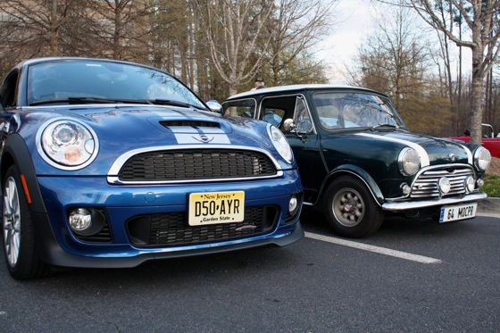 2012 Mini JCW Coupe: Family Reunion featured image large thumb0