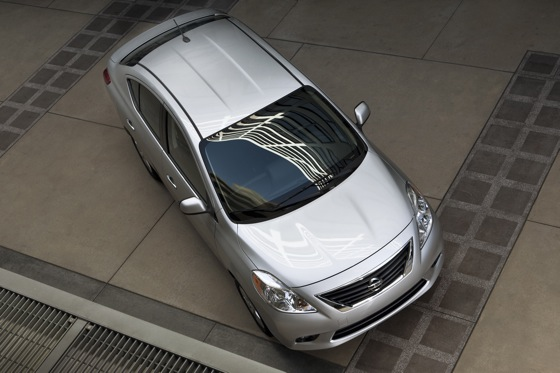 2013 Nissan Versa: New Car Review featured image large thumb3
