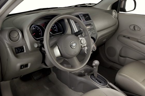 2013 Nissan Versa: New Car Review featured image large thumb21