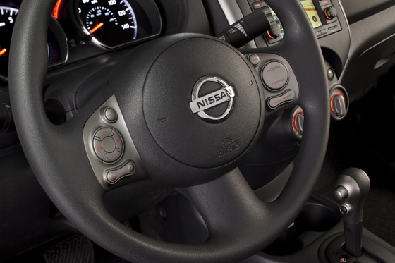 2013 Nissan Versa: New Car Review featured image large thumb30