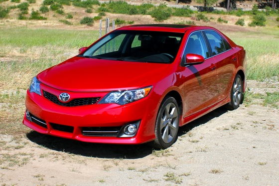 2012 Toyota Camry: First Drive featured image large thumb2