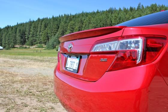 Camry Q&A: Is there more trunk space in the Hybrid? featured image large thumb13