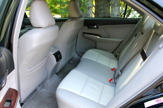 Camry Q&A: Is there more trunk space in the Hybrid? featured image large thumb18