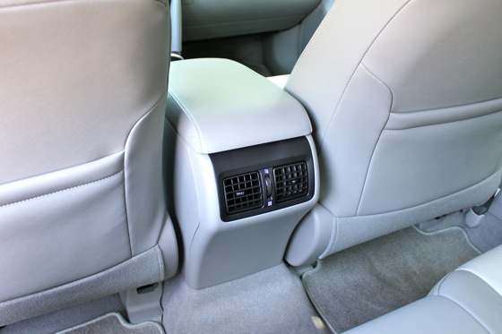 Camry Q&A: Is there more trunk space in the Hybrid? featured image large thumb19