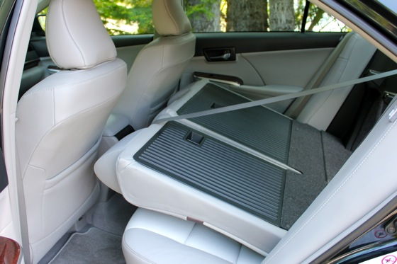 Camry Q&A: Is there more trunk space in the Hybrid? featured image large thumb21