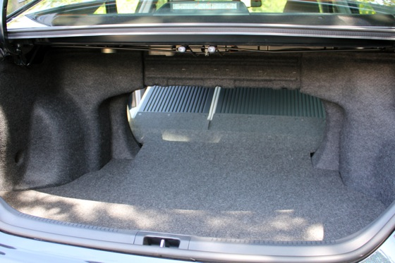 Camry Q&A: Is there more trunk space in the Hybrid? featured image large thumb22