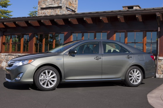 2012 Toyota Camry Hybrid: New Car Review