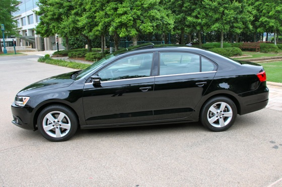 2011 Volkswagen Jetta: Used Car Review featured image large thumb1