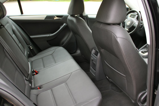 2011 Volkswagen Jetta: Used Car Review featured image large thumb6