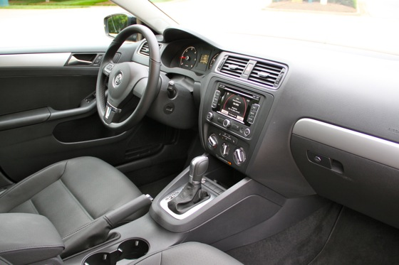 2011 Volkswagen Jetta: Used Car Review featured image large thumb4