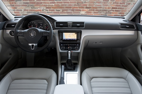 2013 Volkswagen Passat: New Car Review featured image large thumb5