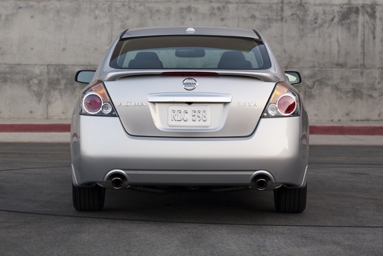2012 Nissan Altima: New Car Review featured image large thumb4
