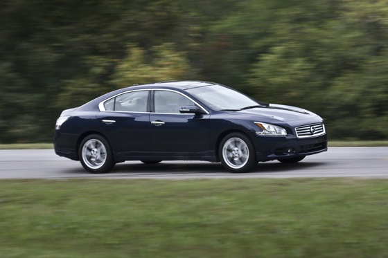 2013 Nissan Maxima: New Car Review featured image large thumb4