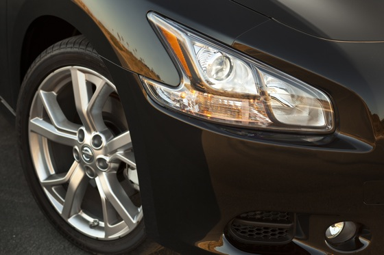 2013 Nissan Maxima: New Car Review featured image large thumb13