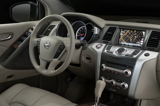 2013 Nissan Murano: New Car Review featured image large thumb14