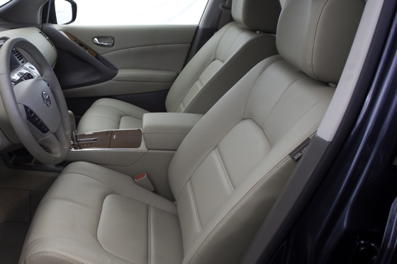 2013 Nissan Murano: New Car Review featured image large thumb18