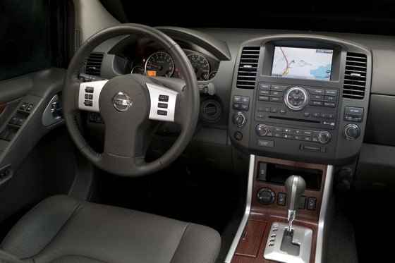 2012 Nissan Pathfinder: New Car Review featured image large thumb7