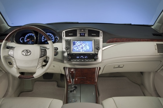 2012 Toyota Avalon: New Car Review featured image large thumb3