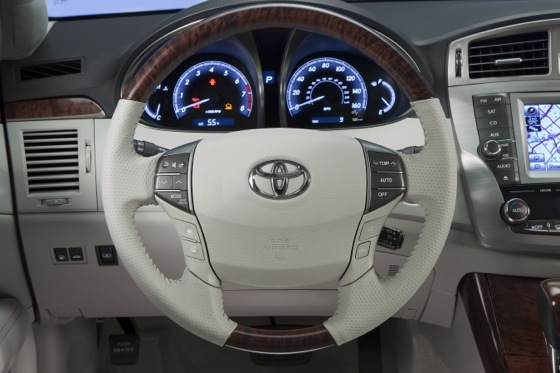 2012 Toyota Avalon: Used Car Review featured image large thumb7