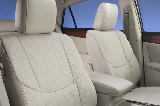 2012 Toyota Avalon: New Car Review featured image large thumb8