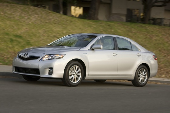2007-2011 Toyota Camry Hybrid: Used Car Review featured image large thumb3