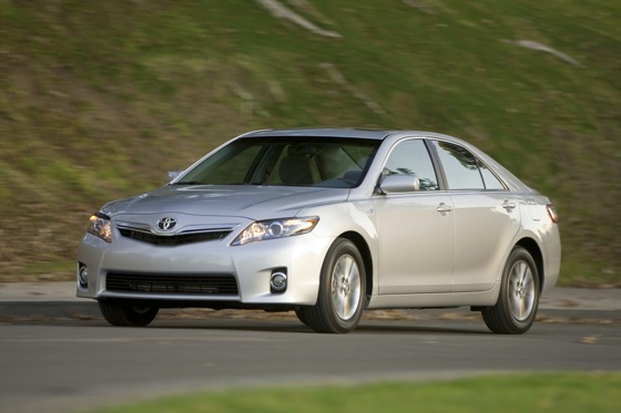2007-2011 Toyota Camry Hybrid: Used Car Review featured image large thumb6