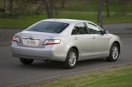 2007-2011 Toyota Camry Hybrid: Used Car Review featured image large thumb7