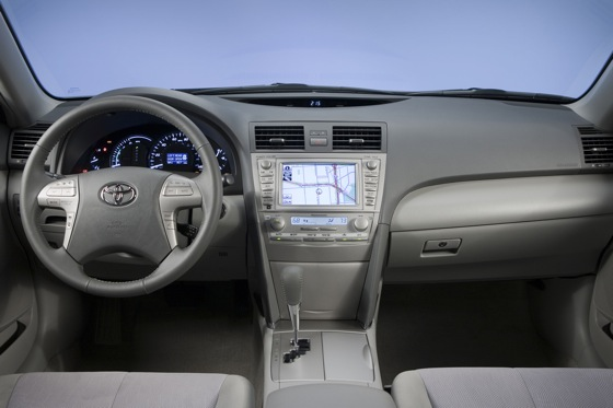 2007-2011 Toyota Camry Hybrid: Used Car Review featured image large thumb9