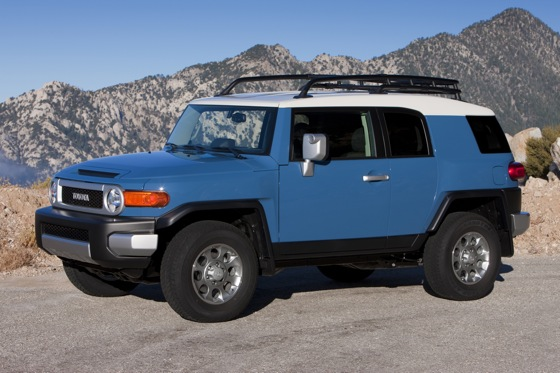 2013 Toyota FJ Cruiser: New Car Review featured image large thumb1