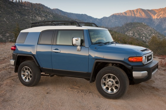 2013 Toyota FJ Cruiser: New Car Review featured image large thumb6