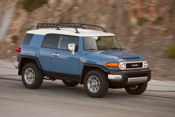 2013 Toyota FJ Cruiser: New Car Review featured image large thumb9