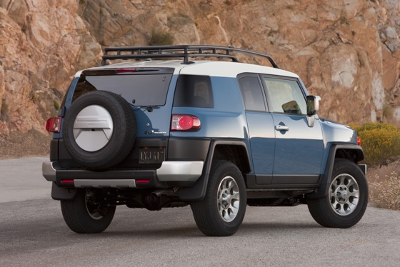 2013 Toyota FJ Cruiser: New Car Review featured image large thumb10