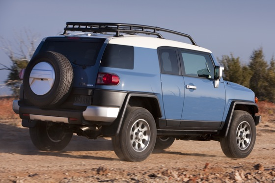 2013 Toyota FJ Cruiser: New Car Review featured image large thumb11