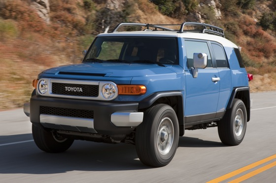 2013 Toyota FJ Cruiser: New Car Review featured image large thumb12