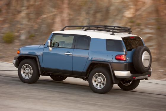 2013 Toyota FJ Cruiser: New Car Review featured image large thumb15