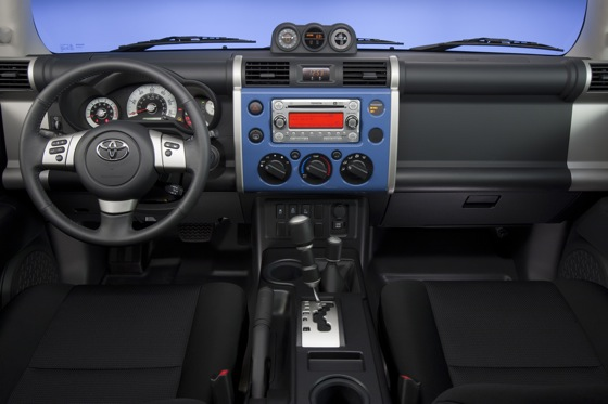 2013 Toyota FJ Cruiser: New Car Review featured image large thumb21