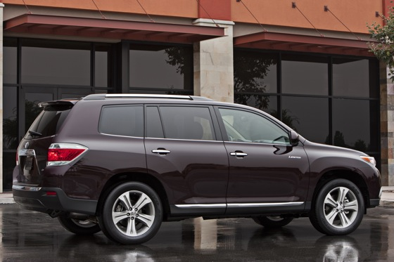 2012 Toyota Highlander: New Car Review Video featured image large thumb8