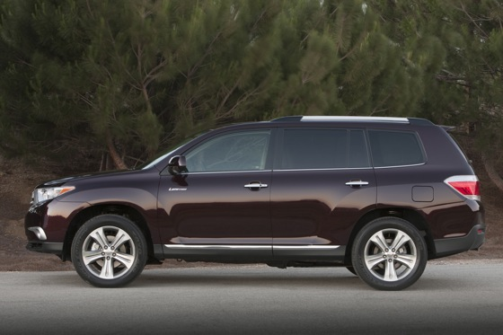 2012 Toyota Highlander: New Car Review Video featured image large thumb16