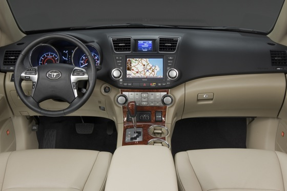 2012 Toyota Highlander: New Car Review Video featured image large thumb30