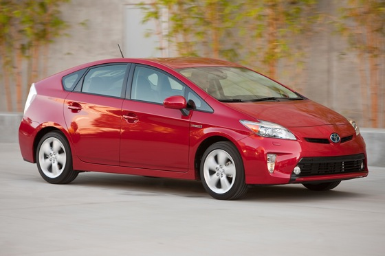 2013 Toyota Prius Plug-in Hybrid: New Car Review featured image large thumb5
