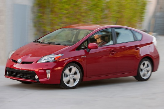 2012 Toyota Prius: New Car Review featured image large thumb16