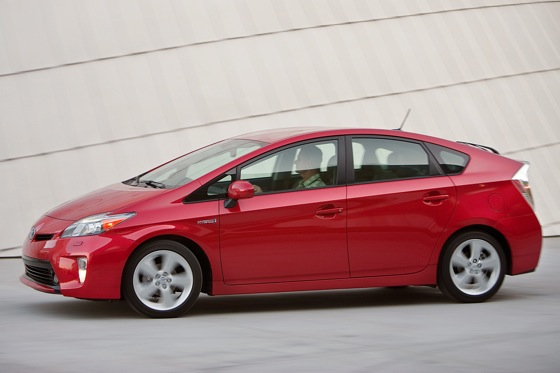 2012 Toyota Prius: New Car Review featured image large thumb21