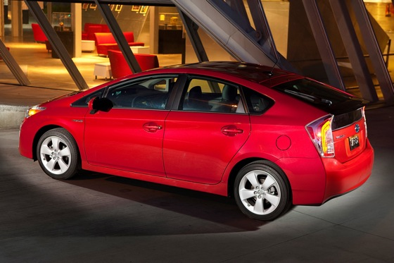 2015 Toyota Prius: New Car Review featured image large thumb4
