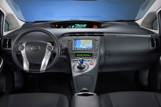 2014 Toyota Prius vs. 2014 Lexus CT 200h: What's the Difference? featured image large thumb3
