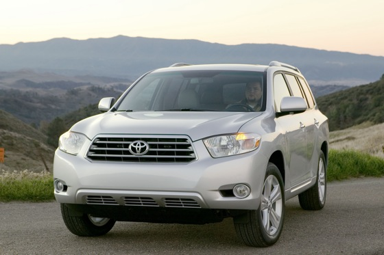 2008-2011 Toyota Highlander: Used Car Review featured image large thumb0
