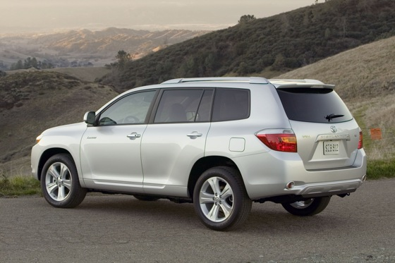 2008-2011 Toyota Highlander: Used Car Review featured image large thumb1